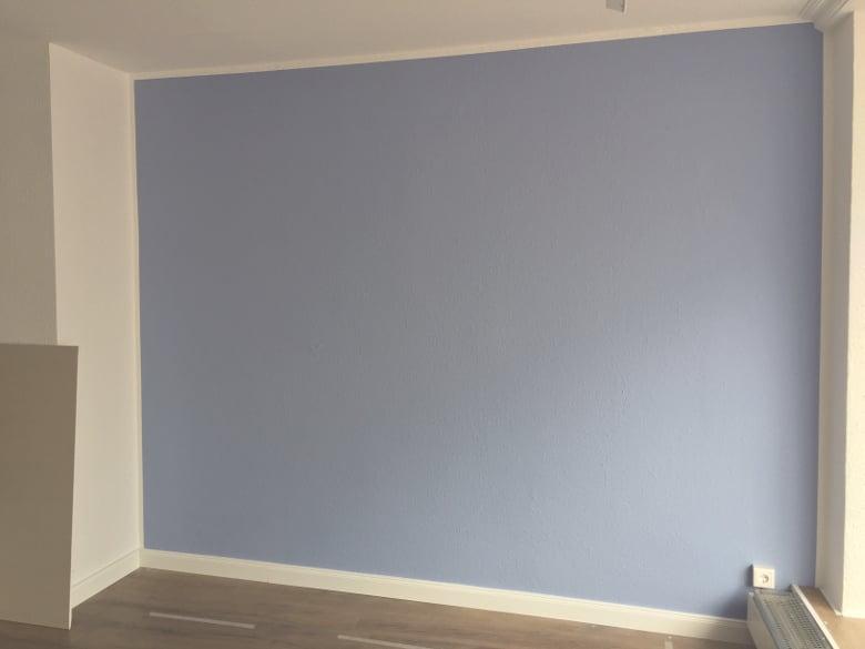 erste farbige Wand